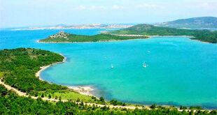 """Hepimiz internete girip """" Türkiye'de Yaz Tatilinde Nereye Gidilir?"""" , """"Türkiye'deki En Güzel Tatil Mekanları"""" gibi aramalar yapıyoruz. Ama şu an buradasınız, ve biz sizler için yaz tatili için Türkiye'de bulunan en uygun tatil yerlerini belirledik. Şimdi bunlara yakından bakalım."""